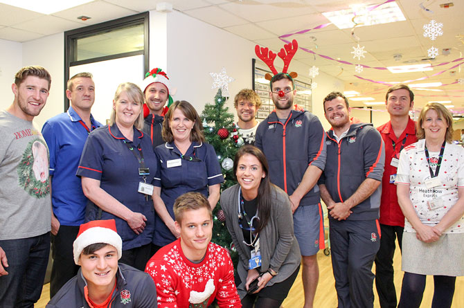 England Rugby Sevens squad pay a special visit to patients  before Christmas