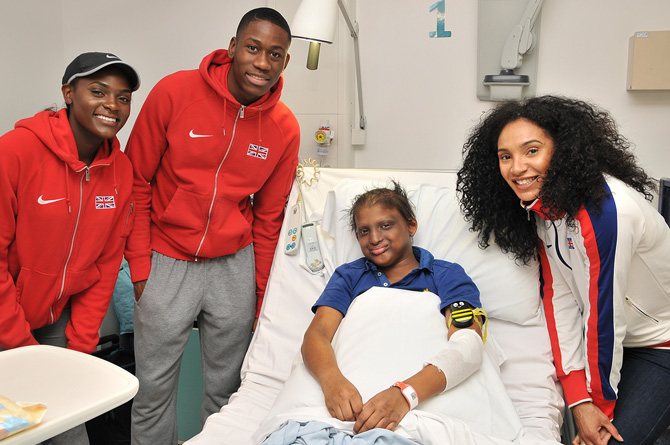 Team GB athletes spread Christmas cheer to young patients