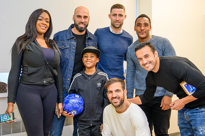 Children delight at Chelsea FC's surprise visit to Chelsea and Westminster Hospital